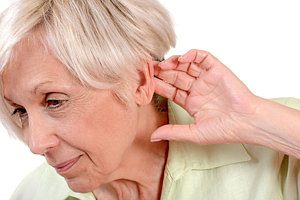 Saat Orangtua Anda Membutuhkan Alat Bantu Dengar