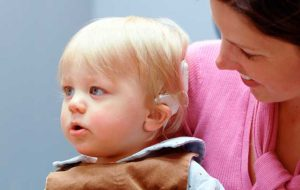 Keuntungan Menggunakan Implan Koklea Untuk Anak Anda