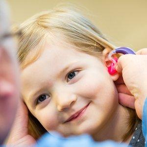 Memilih Alat Bantu Dengar Anak yang Tepat