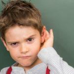Menyesuaikan Alat Bantu Dengar Untuk Anak